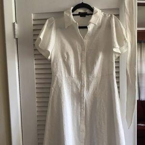 White Christian Siriano dress w beautiful mesh hem